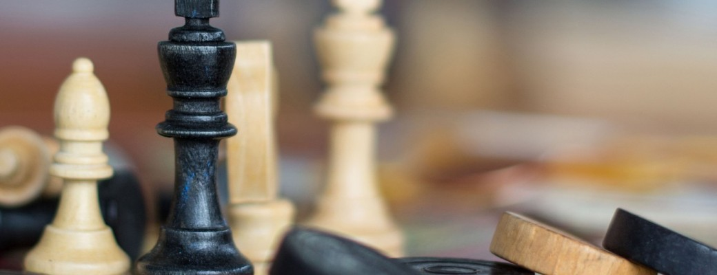 Šahs un dambrete