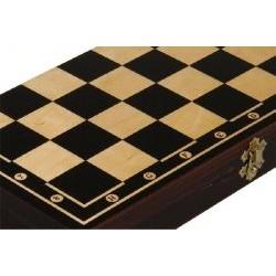 Magiera šahs un dambrete